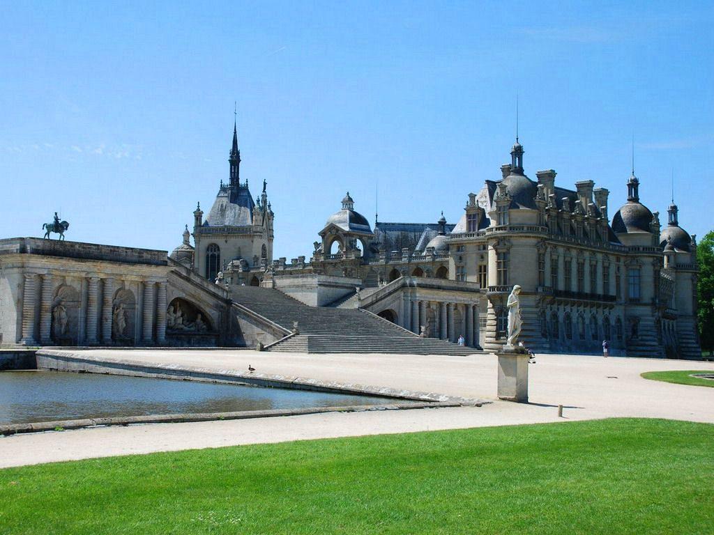 法国索邦大学法语专业申请难吗?